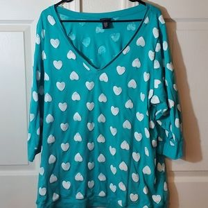 V Neck 3/4 Sleeve Teal Top with White Hearts
